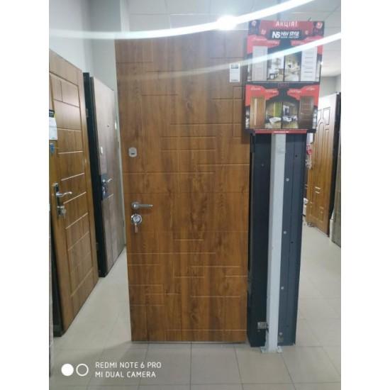 Вхідні двері MAGDA Т-2 960х2050 термо дуб золотий 333 ліві